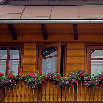 Arredamento balconi tutte le offerte cascare a fagiolo for Arredare balconi piccoli