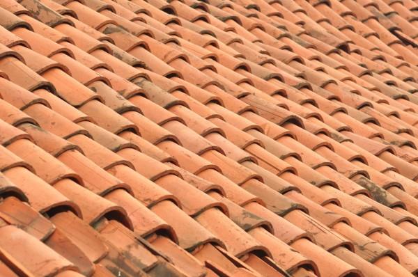Scegliere le tegole per il tetto for Tipi di schierandosi per le case